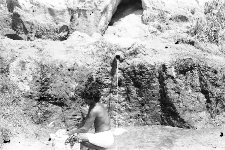 """""""Geopark""""Varkala cliff views, and shots of coral on laterite at Edava, 1983"""