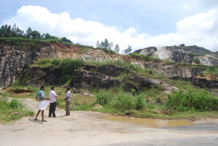 The quarry on the upper tier is abandoned. Other is not. L shaped