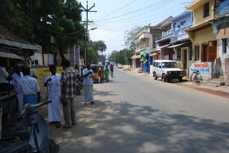 Main street at Sankarankovil on a hot noon.