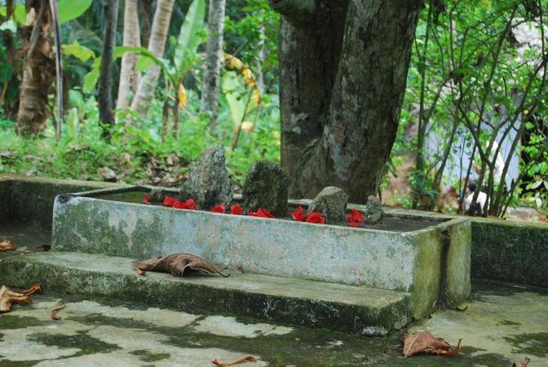 Jatadhari shrine, Cherukol, India founded by Sri Bhuvanendran facing south