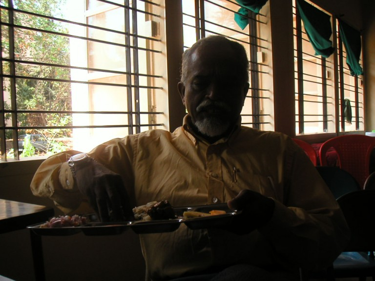 Thrivikramji also enjoys the lovely and affectionate lunch.