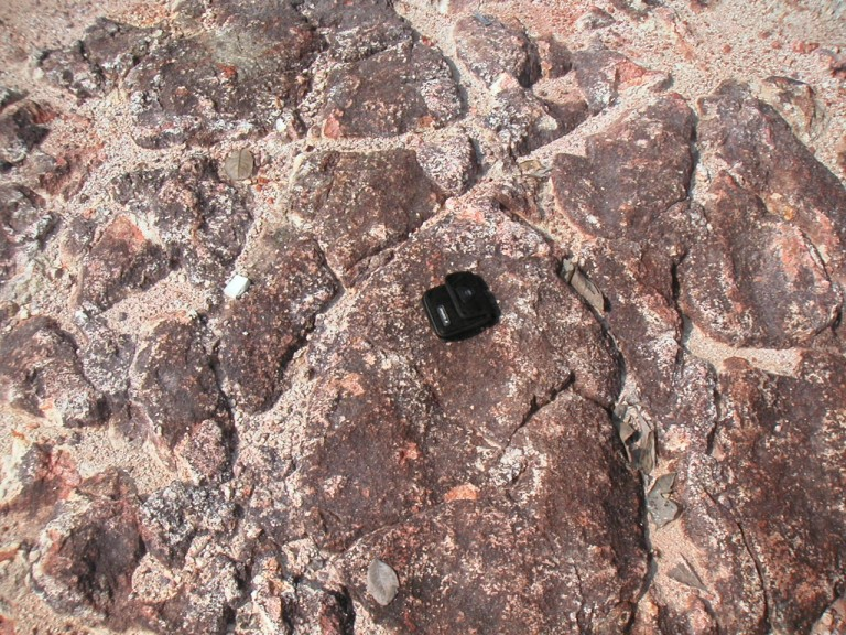 Given right conditions polygonal joints can form on Laterite.
